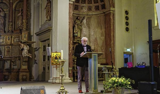 <p>Columnist Joop de Keijzer mocht de preek verzorgen.</p>