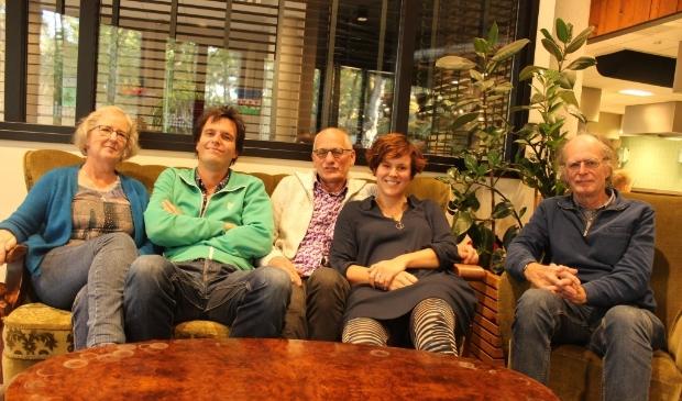 Van links naar rechts: Sera, David, Ton, Willeke en Rein.