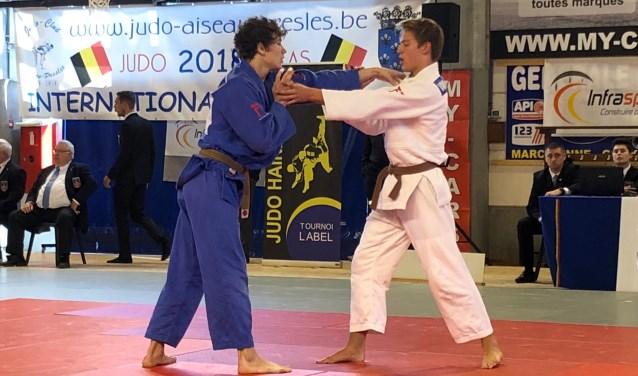 Christopher Groot (links) komt in België uit tegen clubgenoot Jelle van der Werff.