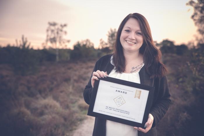 Chantal de Wit met de gewonnen awards