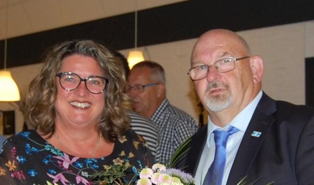 Lijsttrekker Marjolein Steffens-van de Water en HAP-voorzitter Paul Croese.