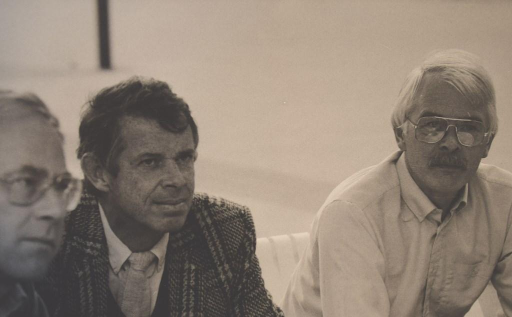 Robert Derks (midden) in 1986 tijdens het ontwerp van Houten