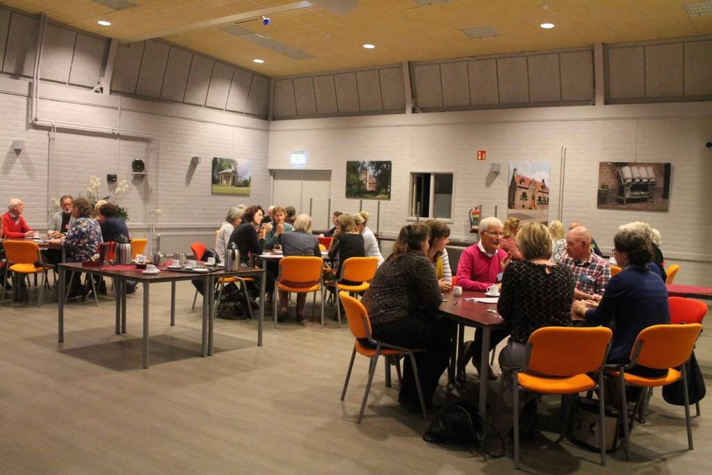 discussiëren bij de workshop over eenzaamheid Hannie van de Veen © BDU media