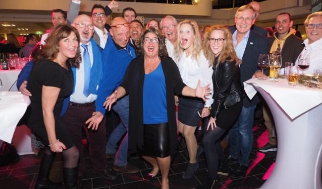 Blije gezichten bij de HAP, die nu samen met de VVD de grootste partij van Haarlemmermeer is.