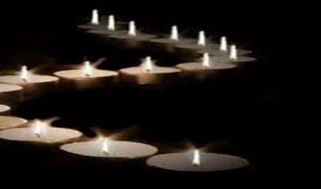 Dit jaar wordt voor de eerste keer op het monument een Lichtjesavond gehouden.
