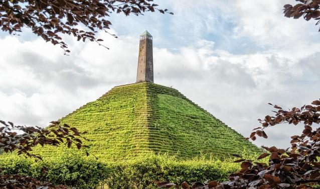 Woudenberg: Pyramide van Austerlitz, Rijksmonument-1804/1894.