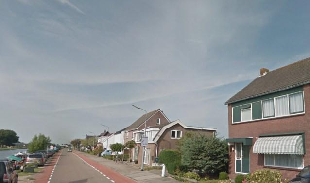 Op deze plek moet de nieuwe busbaan komen als het aan de provincie Noord-Holland ligt.