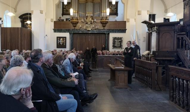 Prof. Dr. Beatrice de Graaf vertelde enthousiast haar verhaal over de rol van Koningin Wilhelmina.