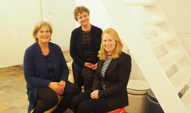 Marion Kroezen, Moniek van Mens en Marjolein Quekel vertellen alles over het (levens)testament en uitvaart.