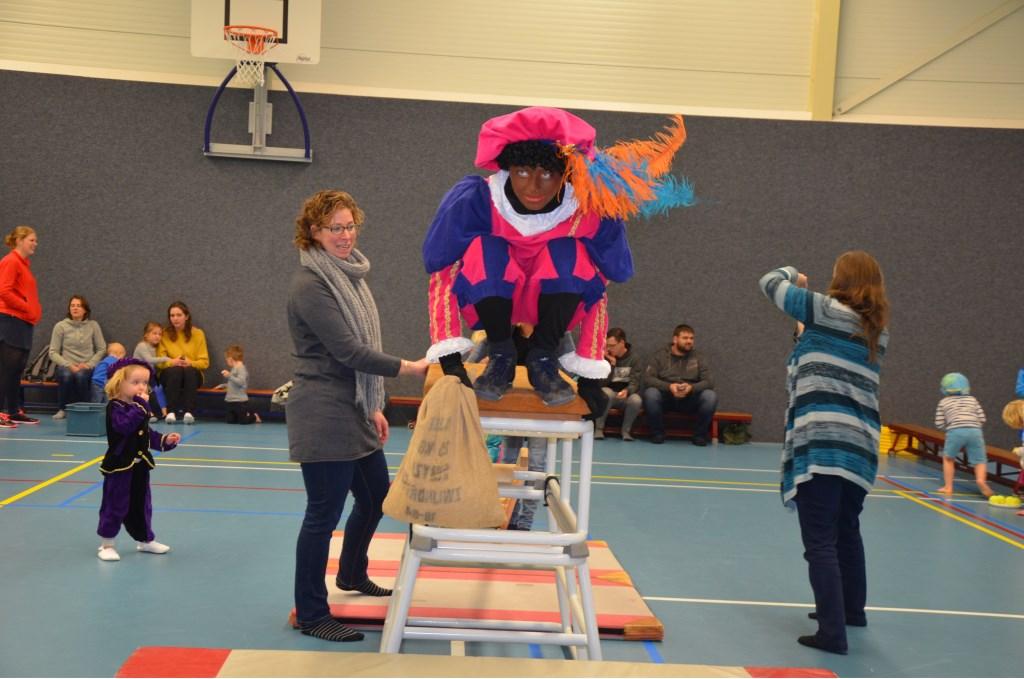 Spannend hoor! Durft Piet te springen? Ali van Vemde © BDU media