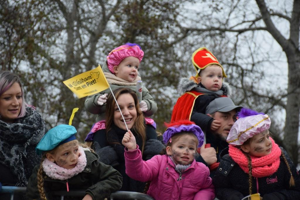 Vol spanning wachten de kinderen aan de Tripkade. Frank Magdelyns © BDU media