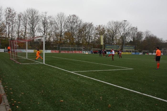 Penalty door Vince de Kwant voor 1-1