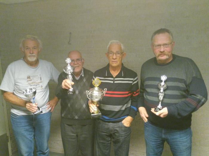 De prijswinnaars de Heren van Doorn, Overgaauw,Snoek,Groeneveld