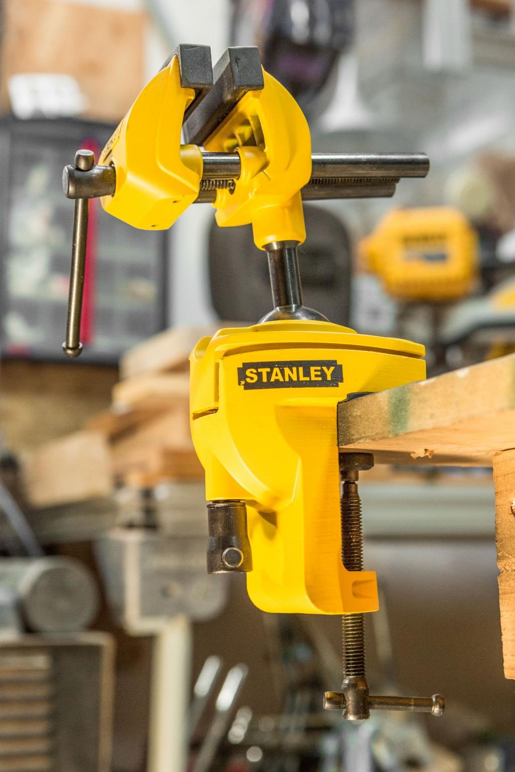 <p>Stanley Multi Grip 360&deg; bankschroef.</p> Jaap van Rijn/KlusVisie © BDU media