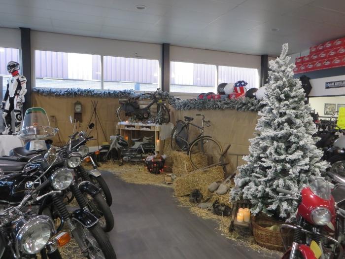 Het vintage thema van de eindejaarsshow bij Korteland Motoren A. van Wijk © BDU media