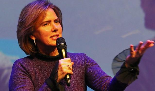 Minister Cora van Nieuwenhuizen staat open voor de gevoelens van omwonenden van Schiphol.