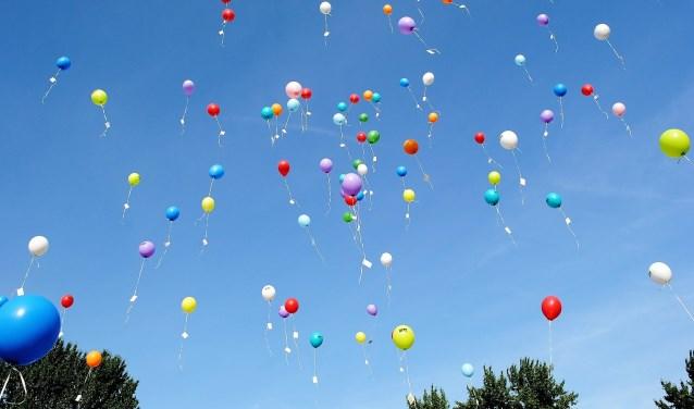 Ballonnen kiezen het luchtruim