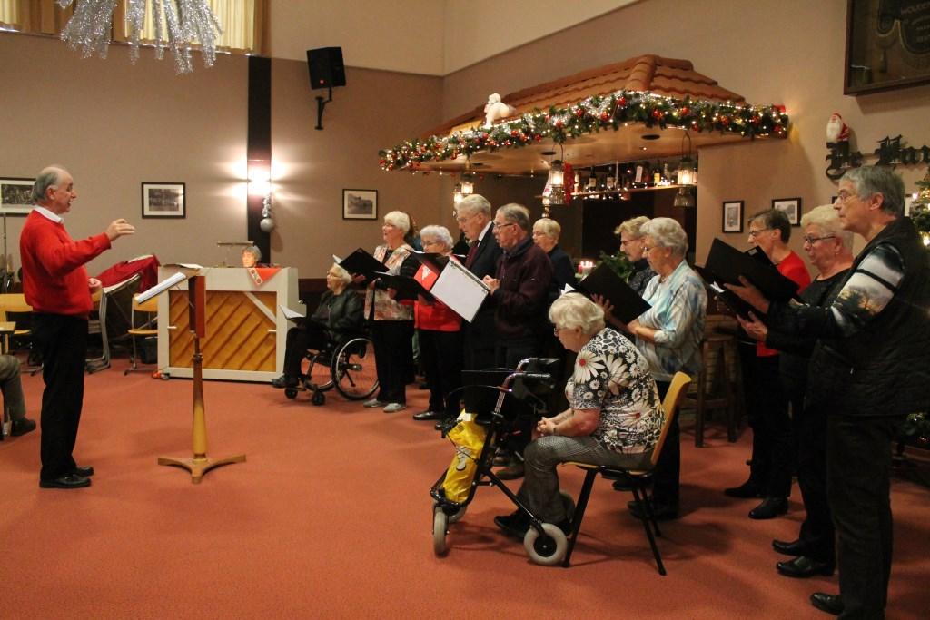 Voor wie graag zingt of altijd gezongen heeft is het koor Zingen Houdt Jong een leuke mogelijkheid om dat te blijven doen.  Hannie van de Veen © BDU media