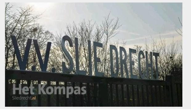 In een uitwedstrijd tegen Nieuw-Lekkerland heeft Sliedrecht de eerste nederlaag van dit seizoen geleden.