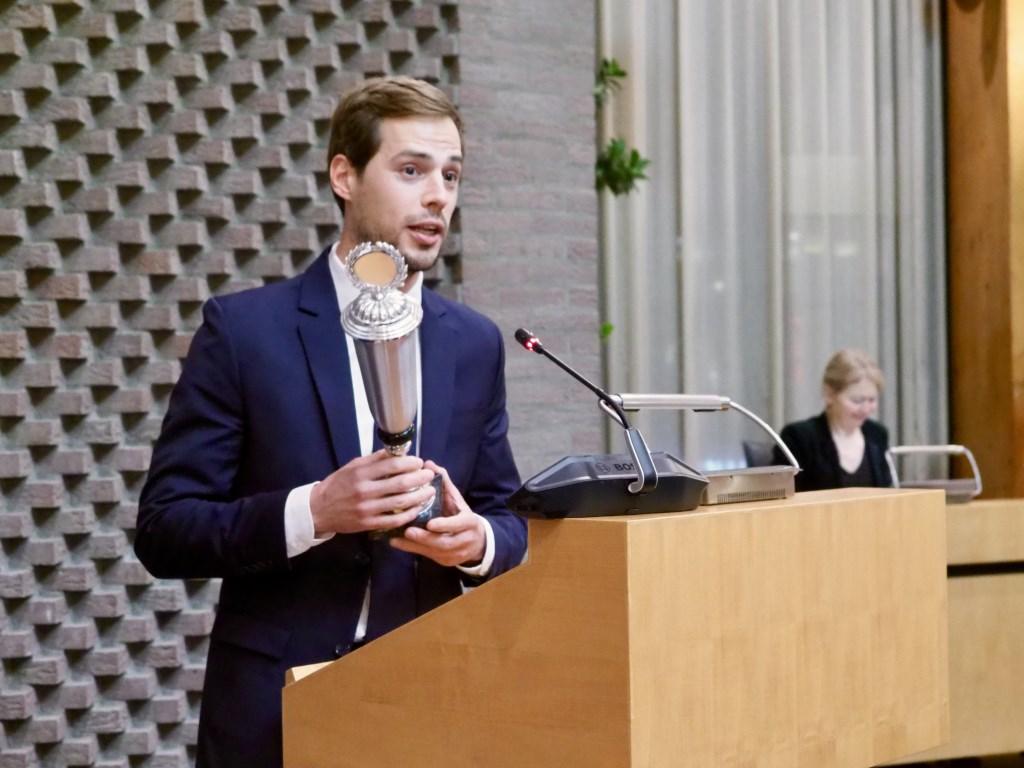 Jurgen Nobel spreekt een dankwoord uit. Jur Engelchor © BDU media