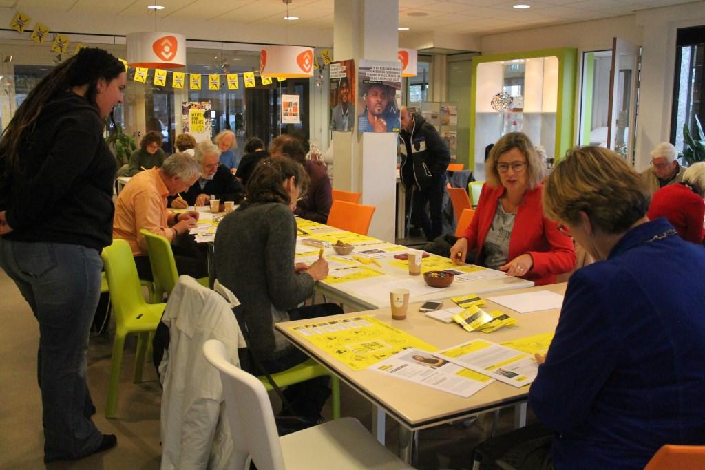 Ook burgemeester Cnossen, Simone van der Marck en Marten Jan Kooistra schrijven mee Hannie van de Veen © BDU media