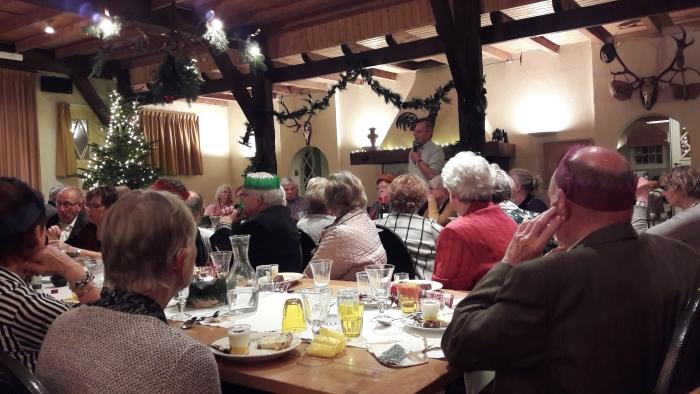 Hein van Beuningen hield een toespraak waarin hij vertelde over zijn familie.