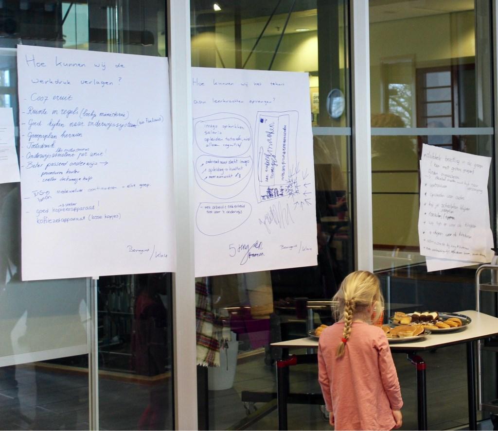 Op de stakingsdag van vorig jaar droegen leraren suggesties aan voor vermindering van werkdruk.  Marcel Koch  © BDU media