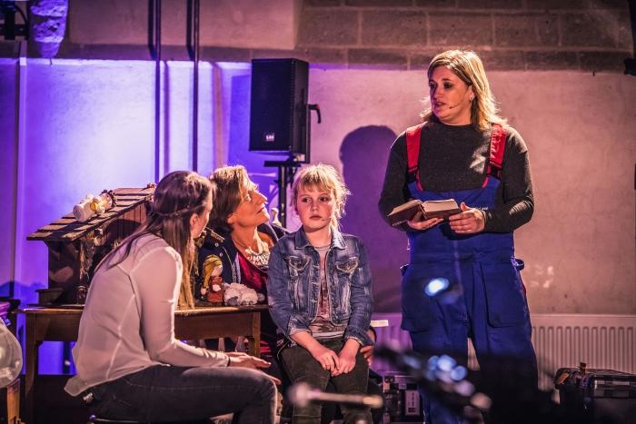Het toneelgezelschap Arjen Hoftijzer © BDU media