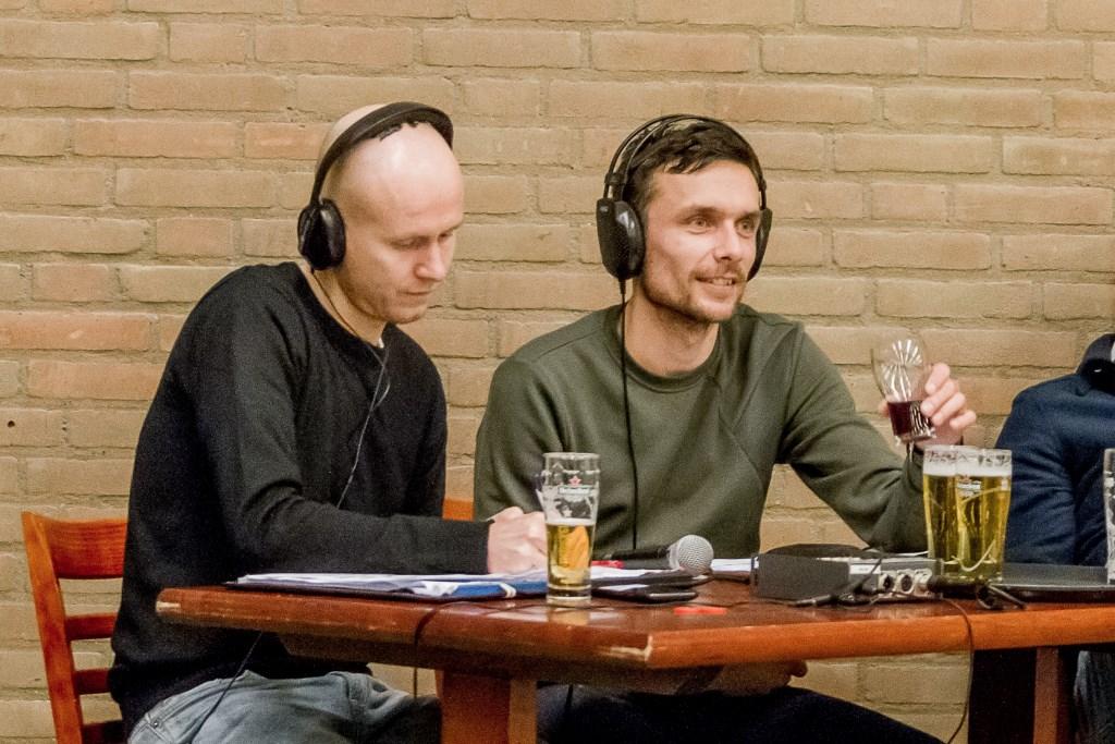 Mark Kloostra en Paul Nolens, al jaren het radio-duo tijdens het AHB-toernooi Marjet van Ruitenbeek © BDU Media