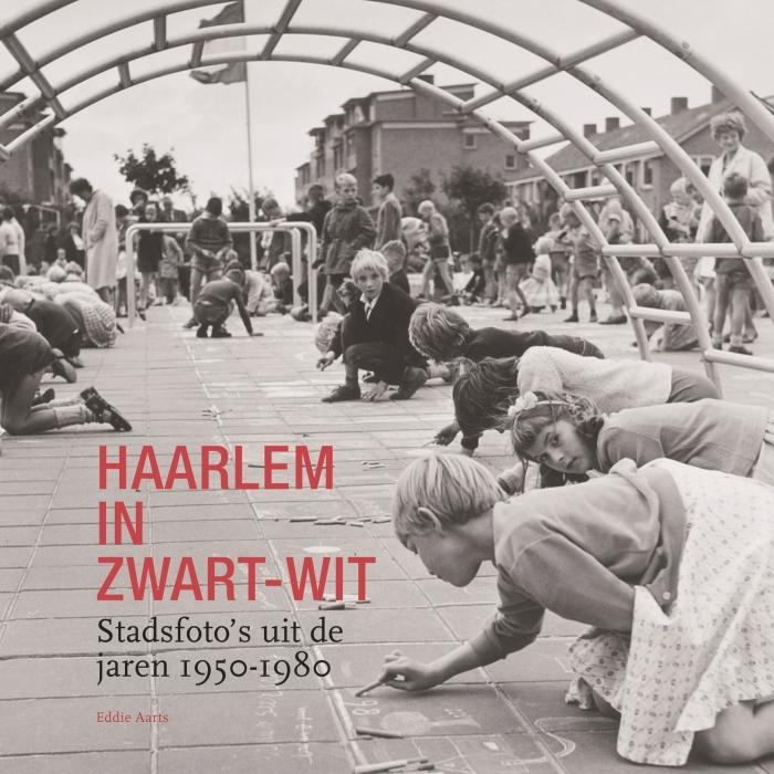 Omslag van het boek Haarlem in zwart-wit