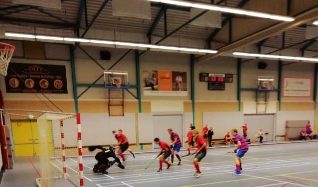 A-junioren Haarlem en Strawberries in actie in Velserbroek.