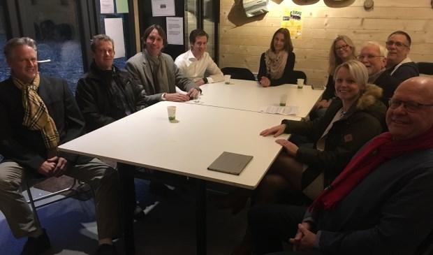 Wethouders Herbert Raat en Floor Gordon op bezoek bij bewonersgroep Stadsdorp Elsrijk.