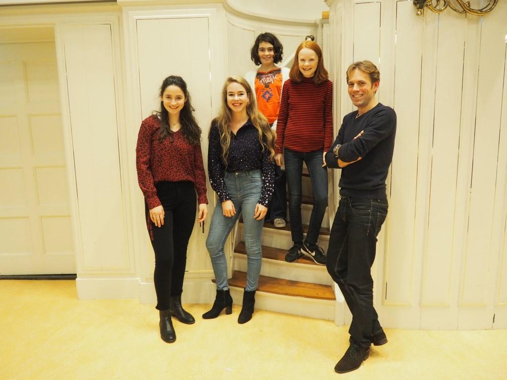 (v.l.n.r.) Frederique Hemler, Mariétte Koens, Andrea Carola Crainic, Fama Koning en Bas Verheijden.