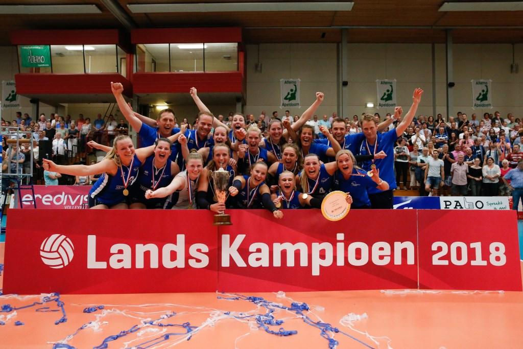 De dames van Sliedrecht Sport werden op 9 mei Landskampioen. Pim Waslander © BDU media