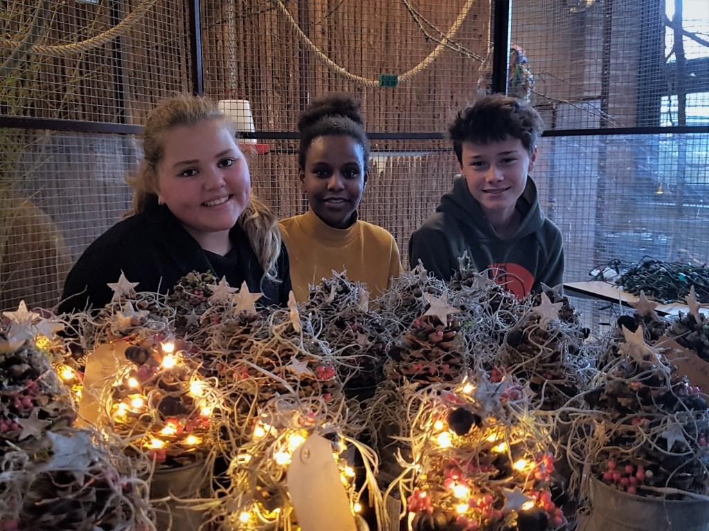Sfeer wordt gecreëerd door kerstversiering en jongeren. Irene van Valen © BDU media