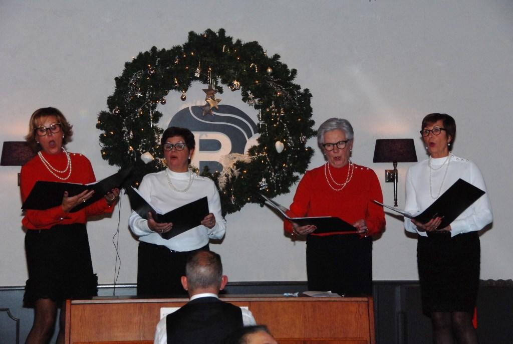 De Zingende Zussen tijdens de Kerstviering van SWO. Adriaan Hosang © BDU media