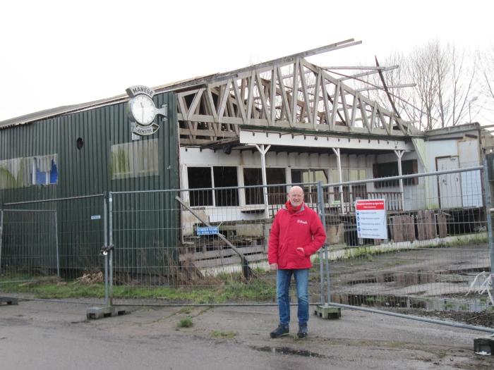 PvdA lijsttrekker Jan Alberts bij de voormalige Gijsbrecht van Aemstelmanege.