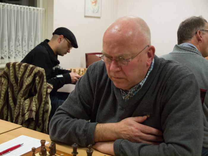 Routinier Peter de Voogd wint
