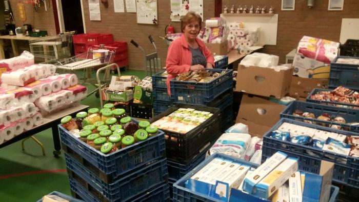 Een deel van de opgehaalde producten in de Opslag van de voedselbank
