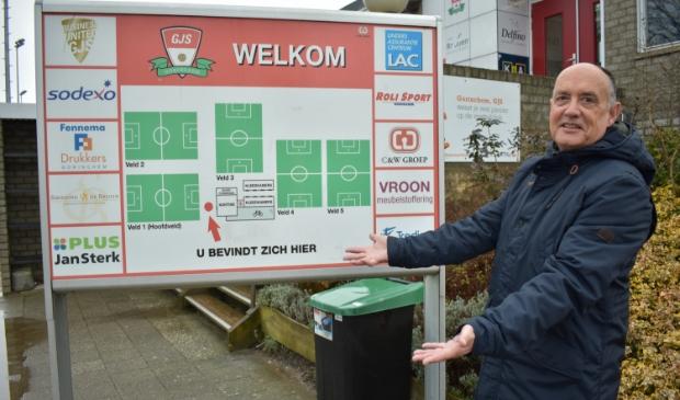 <p>Jan van Veen, voorzitter van GJS, vroeg bij de evaluatie aandacht voor de verdeling van sportvoorzieningen tussen Oost en West</p>