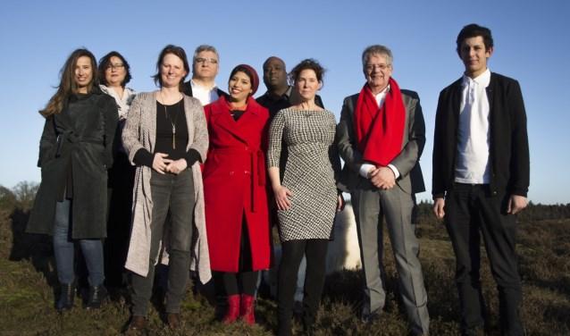 Lijsttrekker Harry van Huijstee (tweede van rechts) met de Edese PvdA-ploeg.
