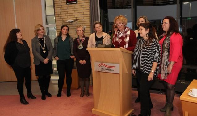 De vrouwen van de Gorcumse gemeenteraad.