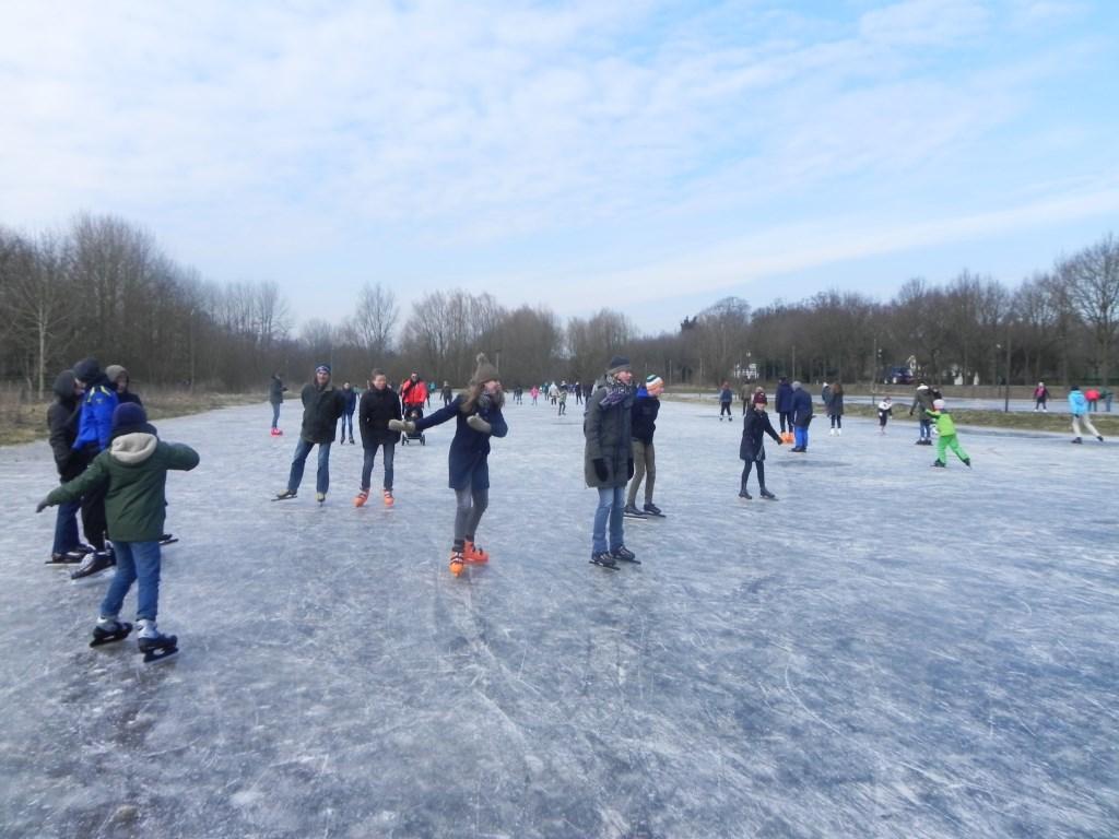Er waren veel verschillende schaatsstijlen te onderkennen (van stuntelig tot aerodynamisch)                                Richard Thoolen © BDU media