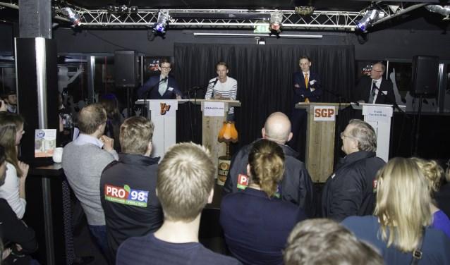Jonge politici gingen met elkaar in debat in Club Move.