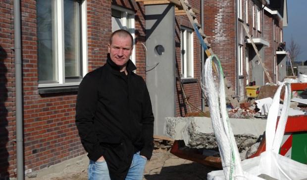 Jeroen Brouwer bij de nieuwbouw in Langbroek