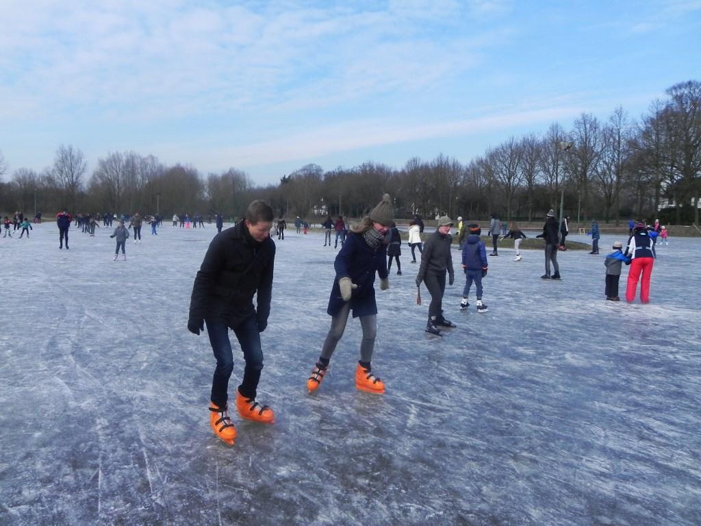 Zijn dit mensen van het koninklijk huis of hebben zij hun schaatsen gehuurd?                                Richard Thoolen © BDU media