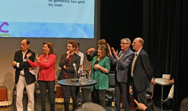 Dikke pret bij lijsttrekkers en andere kandidaat-raadsleden tijdens het debat over cultuur in Soest.