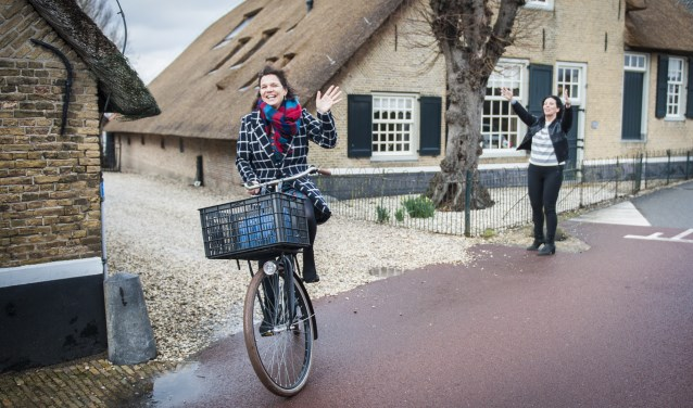 Wethouder Trudy Baggerman stuurt Leny Braks op missie in Hardinxveld-Giessendam.