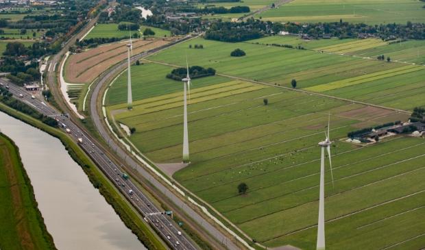 <p>De gemeente Molenlanden heeft al windmolens langs de A15</p><p>&nbsp;&nbsp;</p>