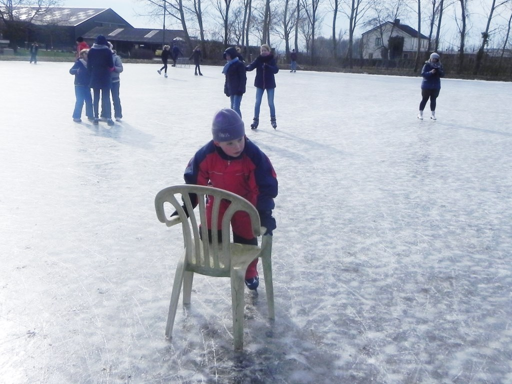 Thijs oefent eerst nog even met een stoel. Richard Thoolen © BDU media